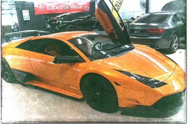 Gacktが愛車の「ランボルギーニ・ムルシエラゴ」の破損を告白