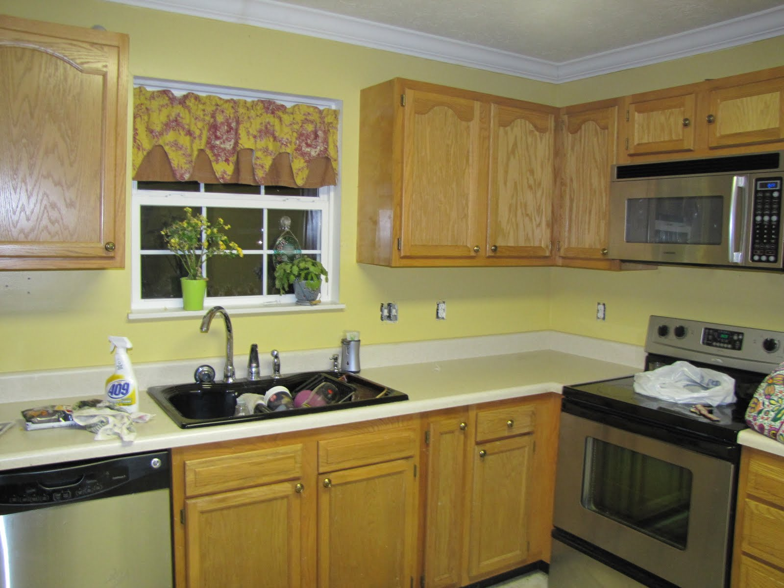 Yellow Paint For Kitchen Walls - painting kitchen walls shades of ...