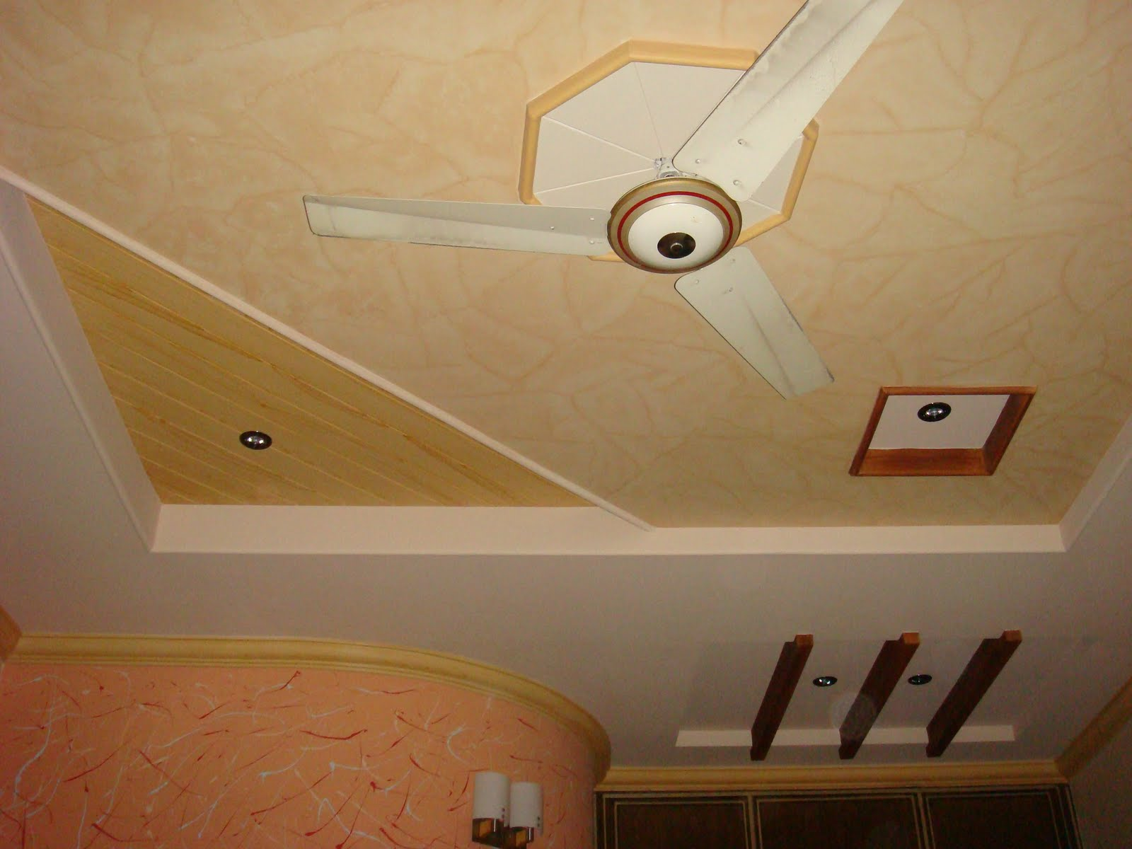 Pop designs for roof plus minus s wall decal for Roof ceiling design in india