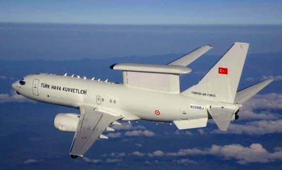 Pesawat AWACS Boeing 737-700 Turki