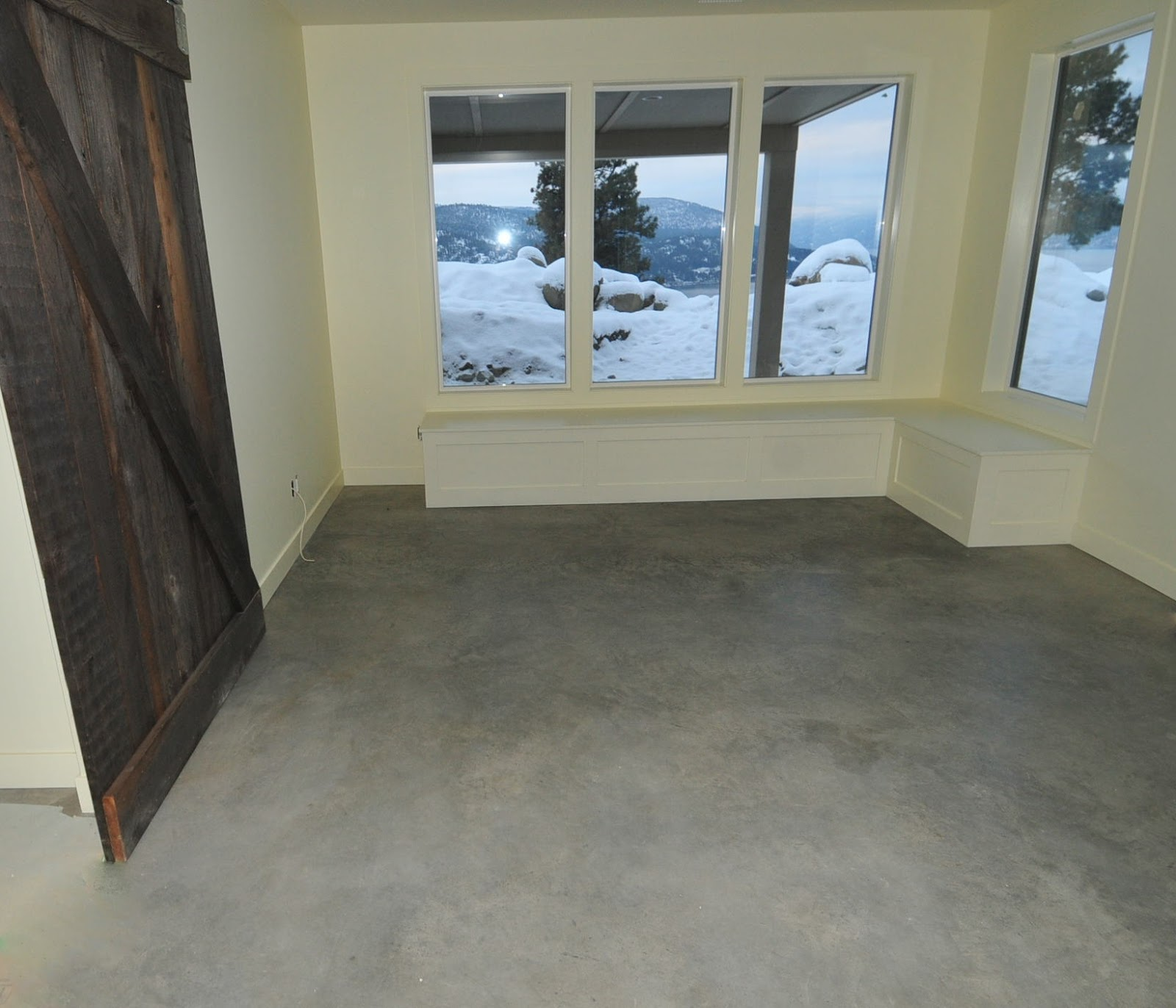 The Best Basement Flooring Options: MODE CONCRETE: Basement Concrete Floors Naturally Look Amazing And Modern