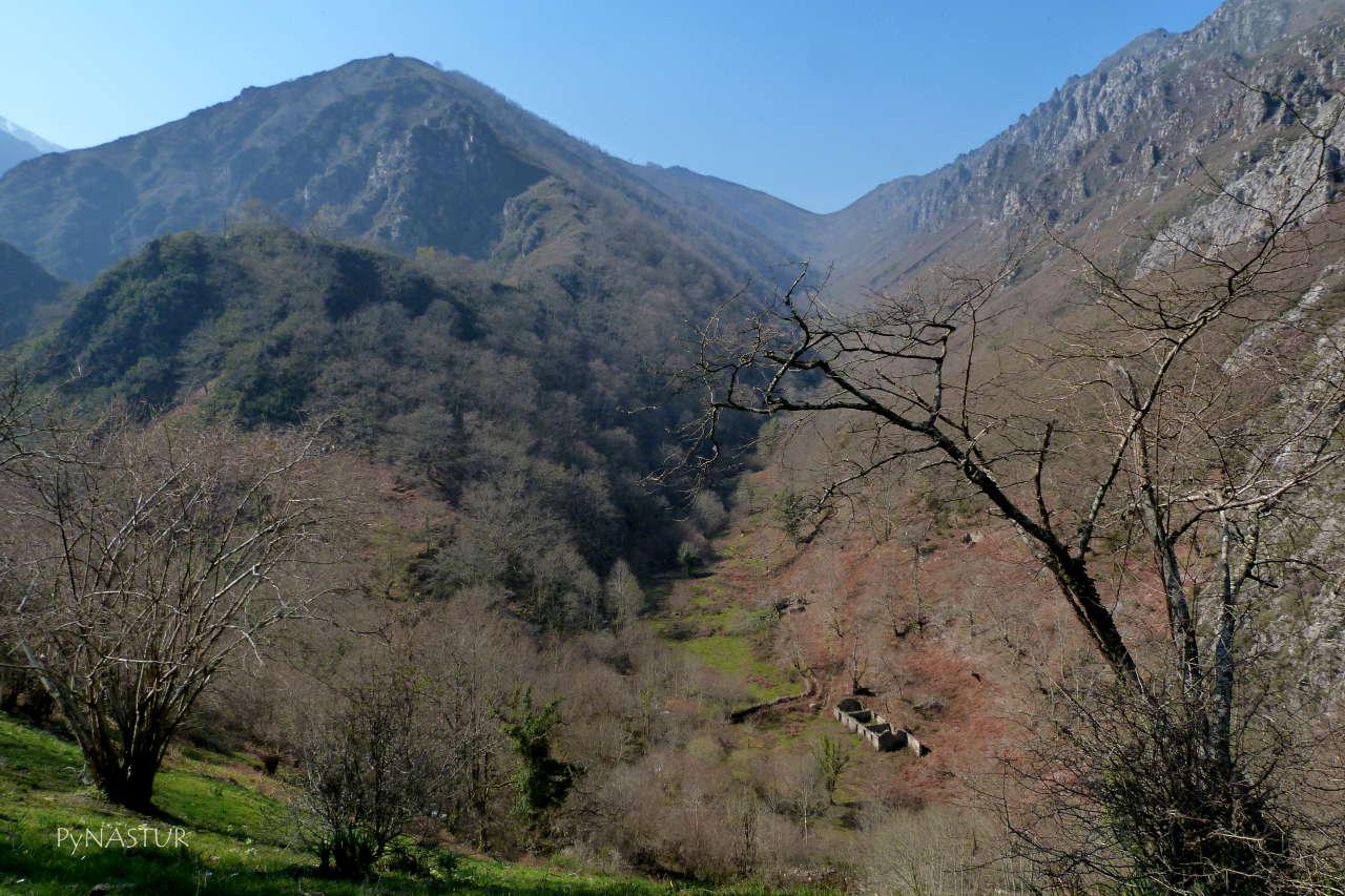 Valle de Piedrafita desde el Collado Semeldón - Ponga