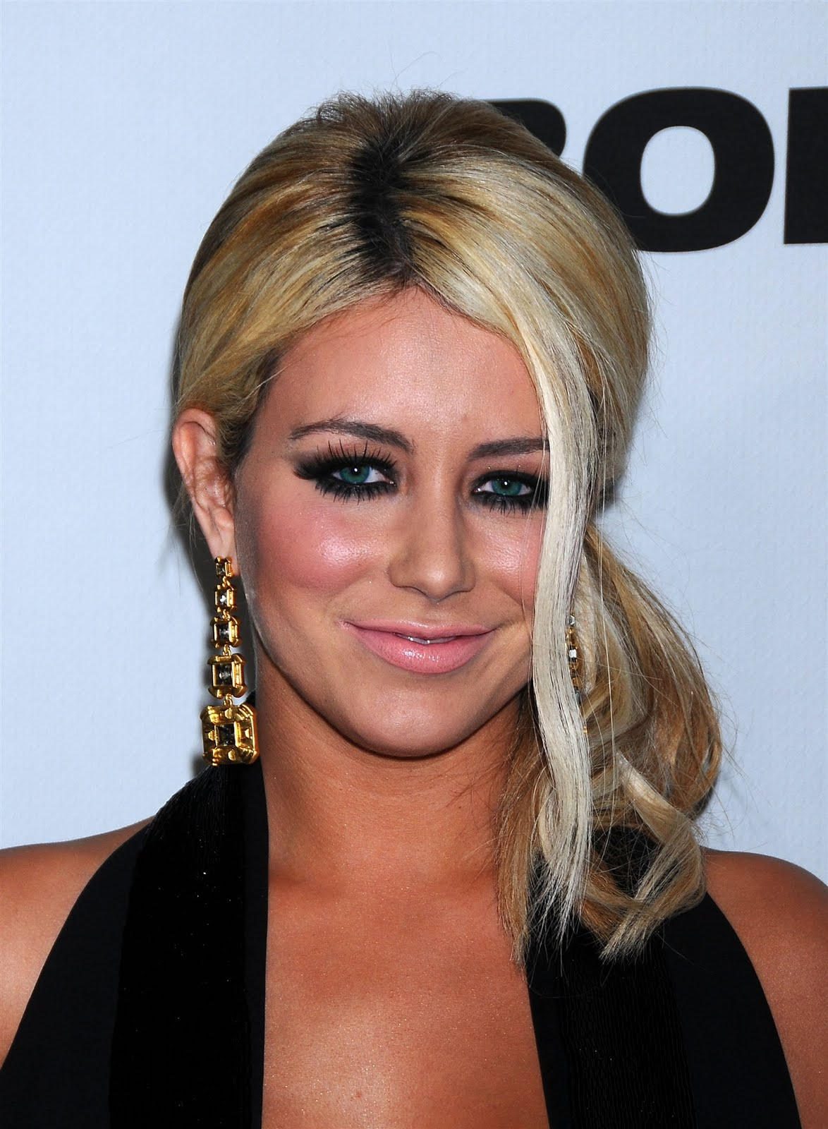 7 Hot Wallpapers of Aubrey O'Day | Bollywood latest ...