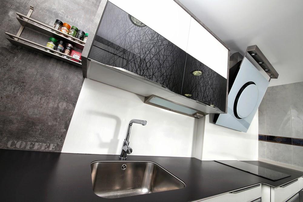 cocina instalada con la encimera mod duo black techlam