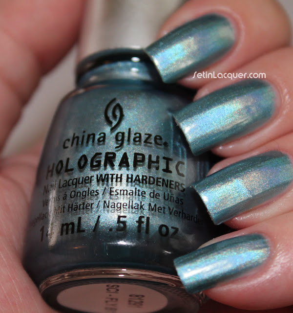 China Glaze Hologlam - Sci-Fly By
