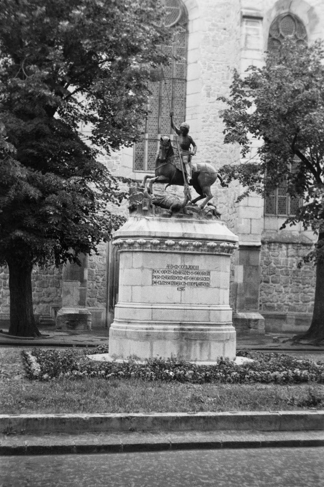 novella, Kolozsvár, Mátyás király, New York kávéház, Házsongárdi temető, Botanikus kert,