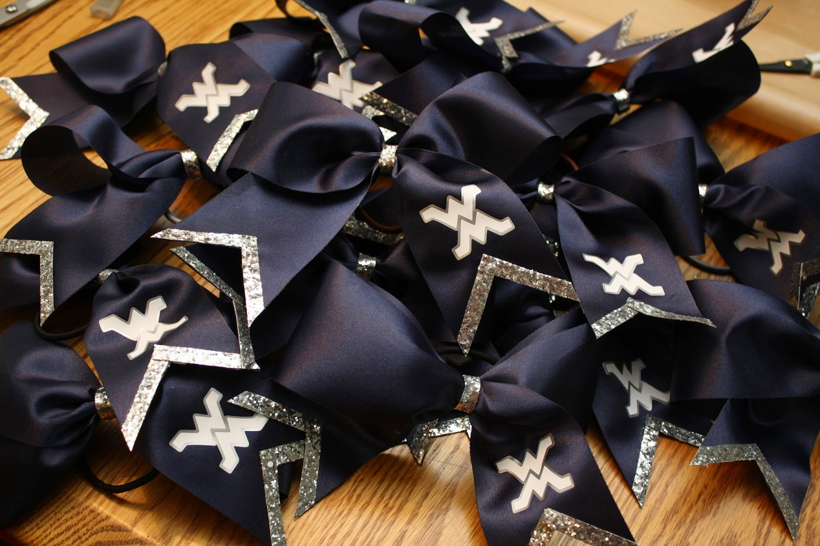 ribbons an bows inc Your customers will pay for added-value, which adds profit to your bottom line  masterbow ribbon and bows add that extra-special touch to qualatex balloon.