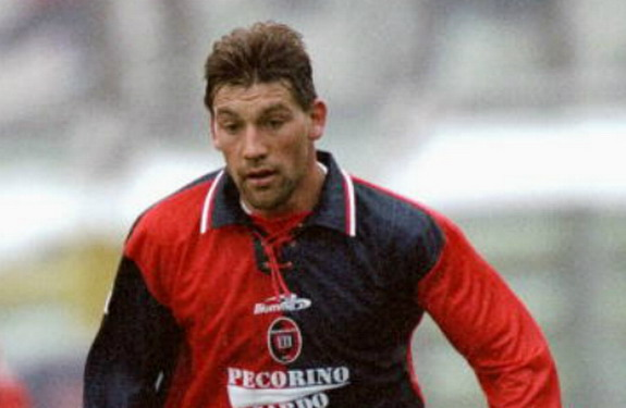 Former Uruguay international Fabián O'Neill played for Cagliari between 1995 and 2000