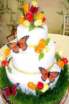 Bake eat love inspiration cakes cupcakes that for Garden wedding cake designs