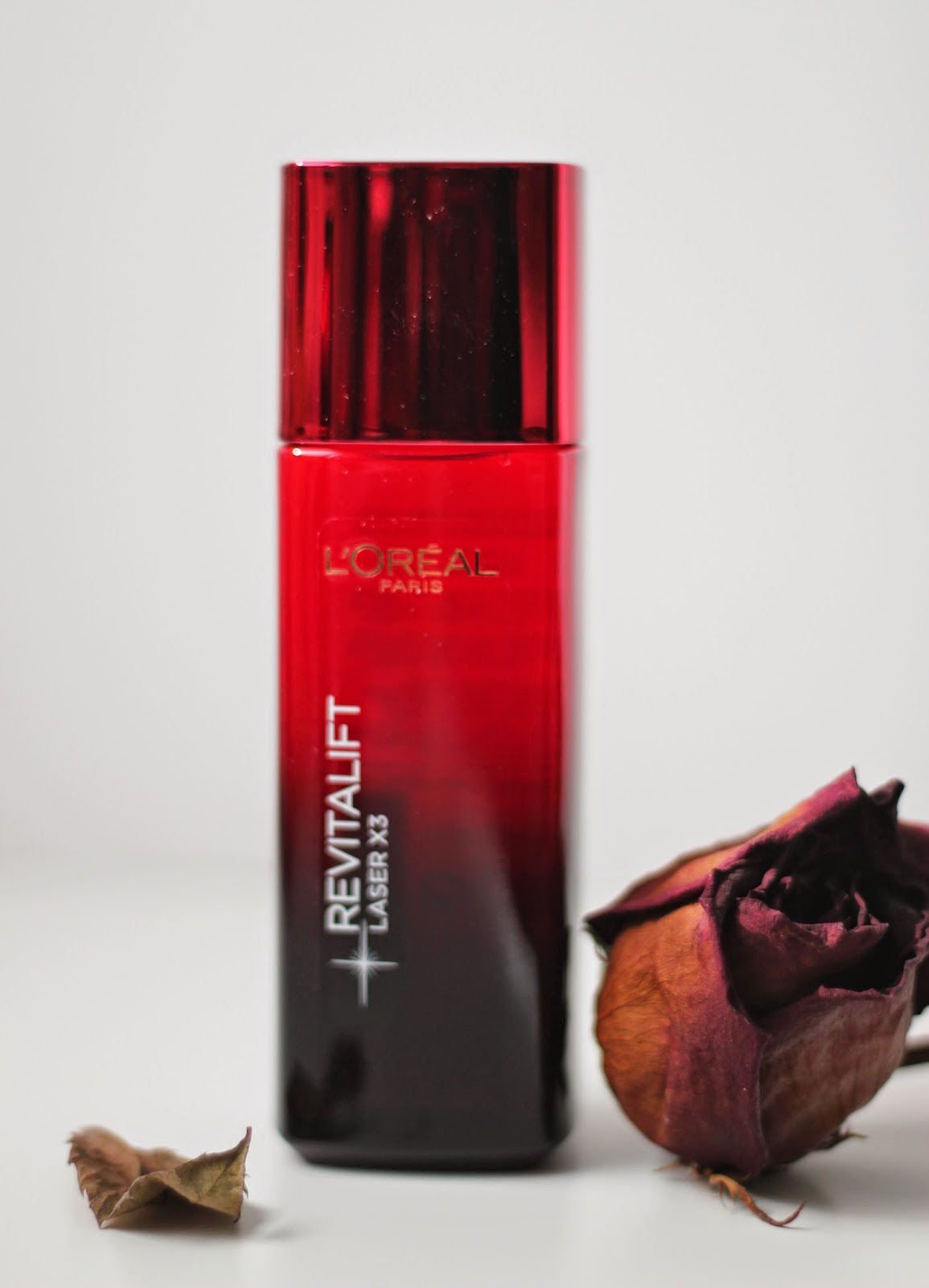 photo-l'oreal-revitalift-laser-X3-antiarrugas-antimanchas