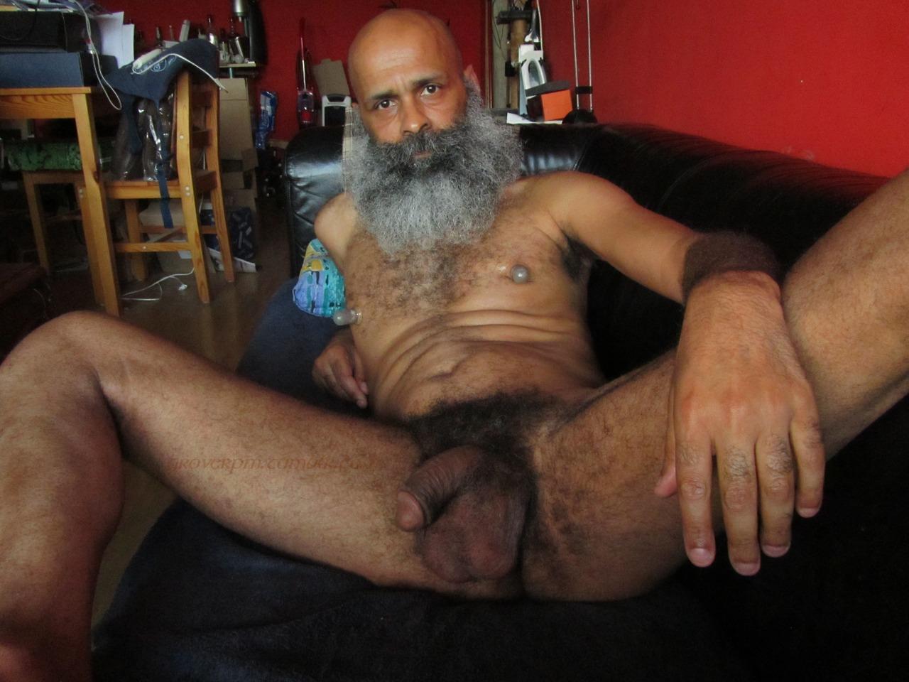 machos pelados gostosos tesudos veinho barbudo pauzudo tarado