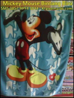selimut mickey mouse