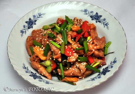 Sesame & Red Bell Pepper Chicken - Hilda's Touch Of Spice