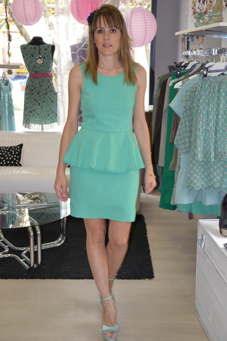 Que color de zapatos para vestido verde menta