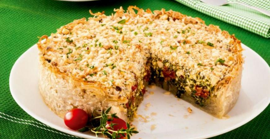 Torta com massa de batata ralada e tofu light