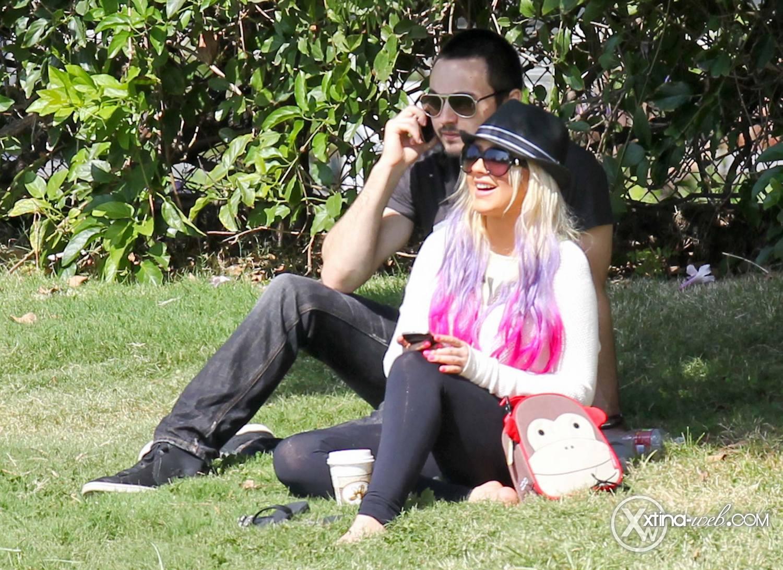 [Fotos] Christina, Max y Matt en Studio City (California) 7/10/2012 10