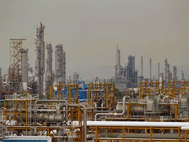 Iran_OilRefinery_Reuters