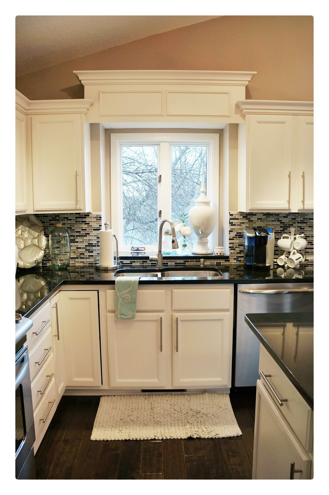 Crown molding on kitchen cabinets before and after - Kitchen Before After
