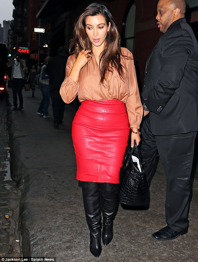 Hello Celebrity: That's how to make a splash! Kim ... Cheryl Cole Lyrics