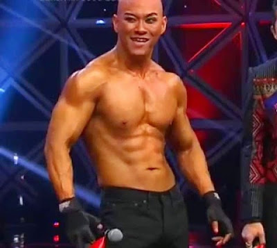 deddy-corbuzier-shirtless-six-pack-body