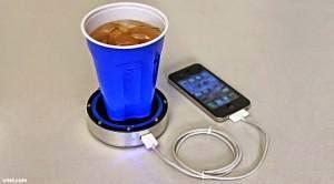 Gelas ini dapat mengisi baterai ponsel