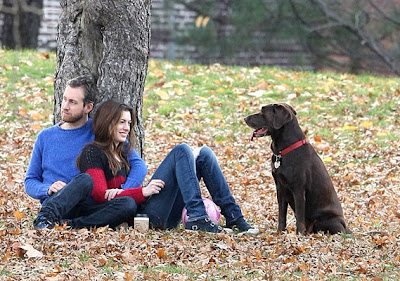 Anne Hathaway Engaged to Adam Shulman