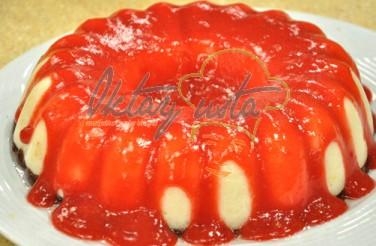 Çilek Soslu İrmik Pastası Tarifi