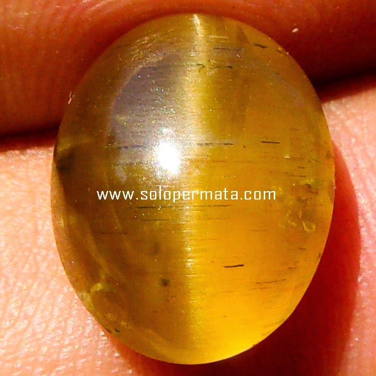 Batu Permata Yellow Apatite Cat Eye