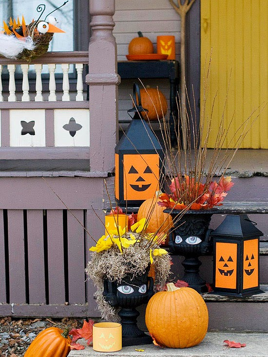 Simple steps and easy to find materials transform planters lanterns and pumpkins into a scary-fun Halloween doorstep arrangement. & Modern Furniture: Halloween 2013 Entry Decorations Ideas