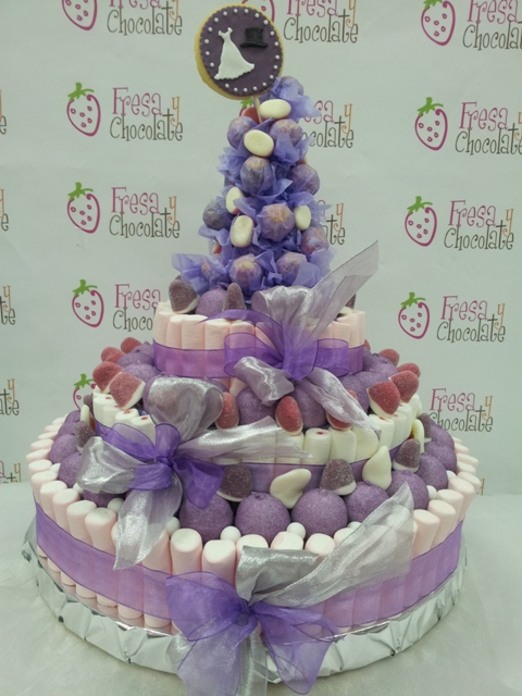 tarta de boda de chuches pastelería creativa fresa y chocolate blog mi boda gratis