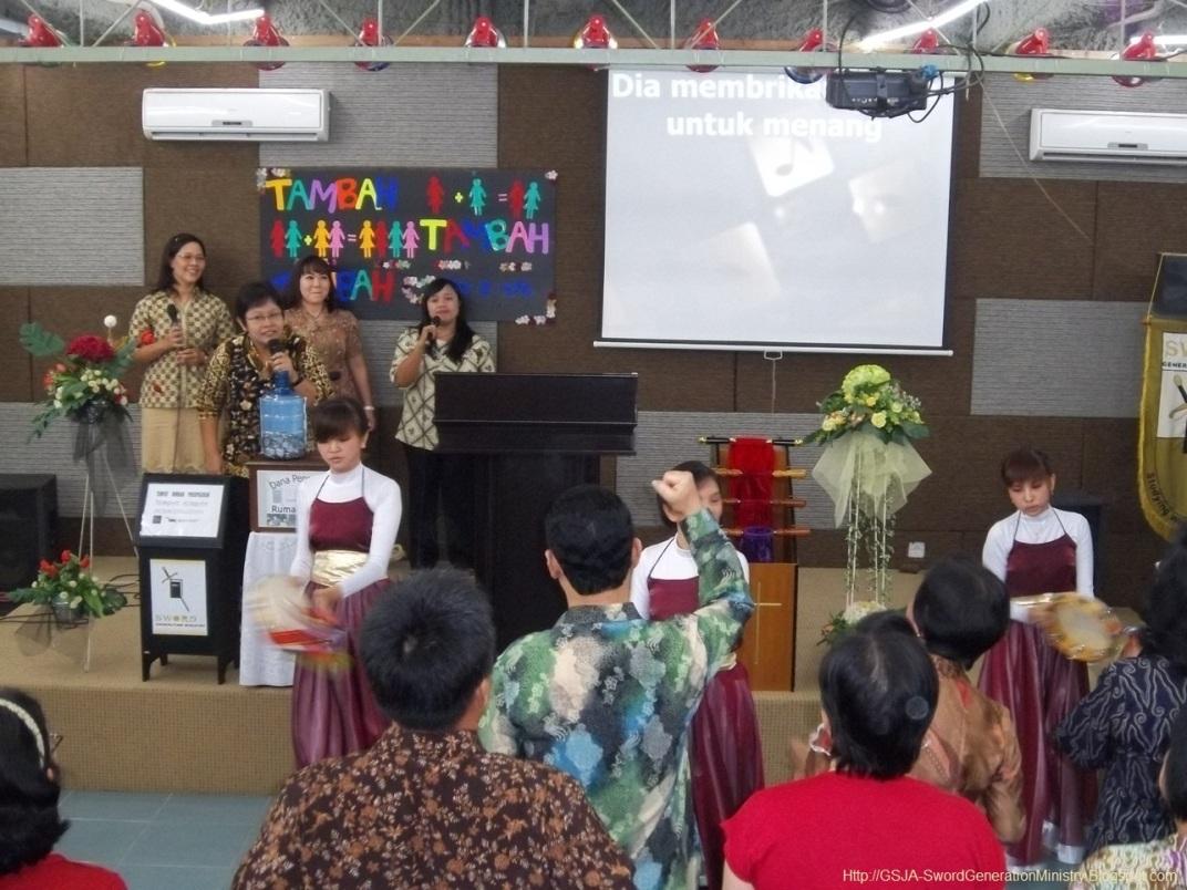Tamborin Harnas Wanita GSJA Sword 2011