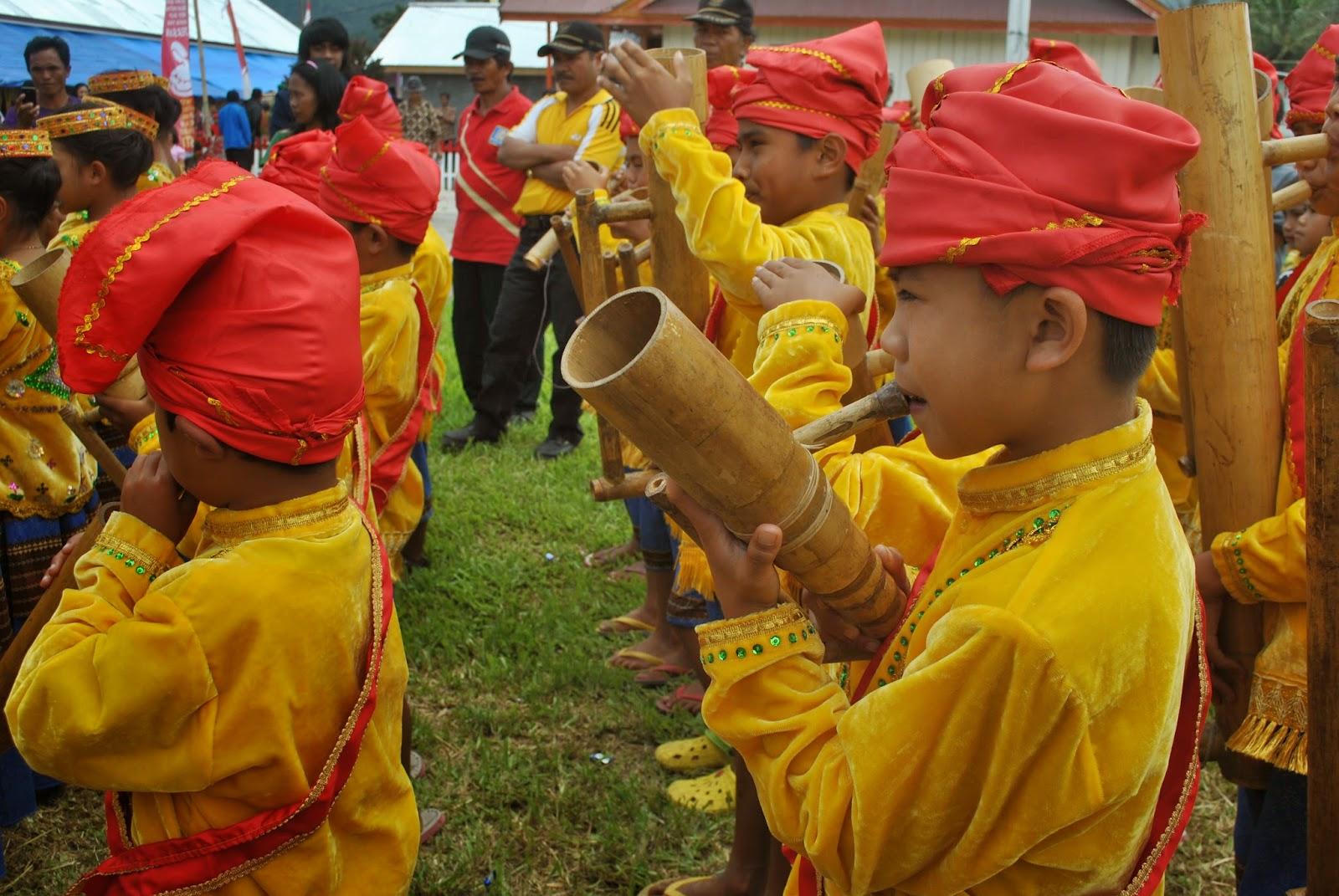 kearifan festival  DANAU LINDU
