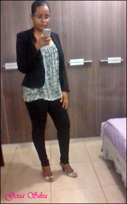Look do dia: Legging e blazer