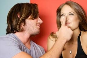 4 Sikap Wanita yang Bikin Hati Pria Luluh