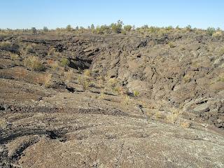 lava falls trail at el malpais