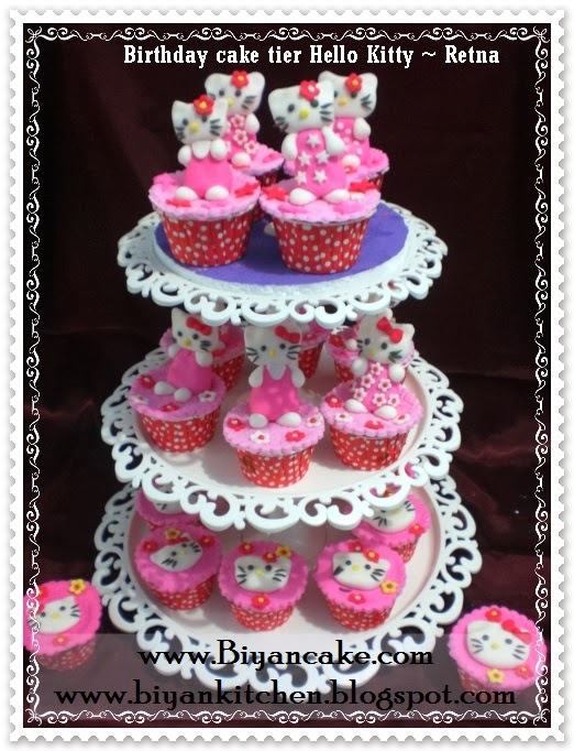 Cupcake tier Hello kitty ~ Retna