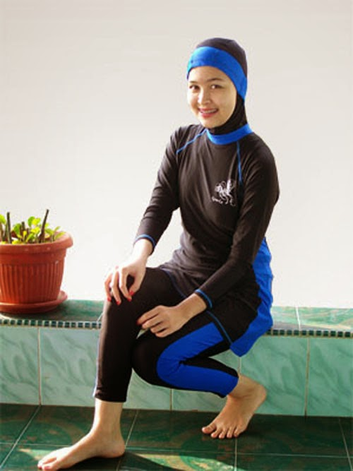 baju-renang-muslimah-burkini-warna-biru