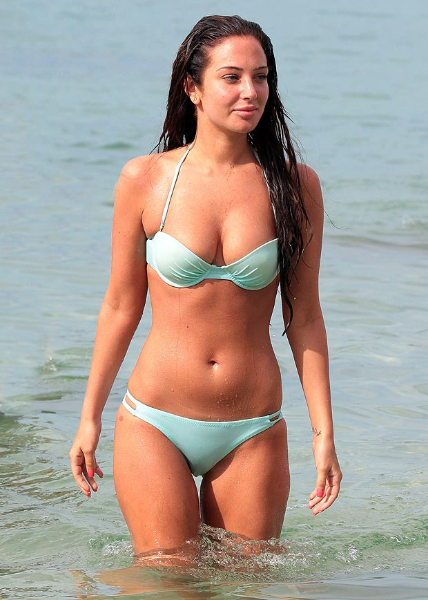 Tulisa Contostavlos Hot in Bikini