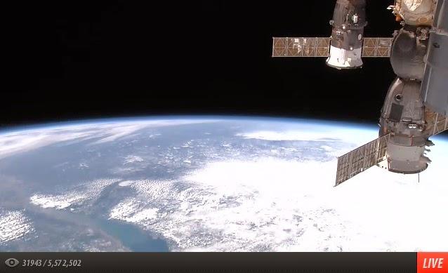 pemandangan angkasawan ke arah Bumi 24 jam Live