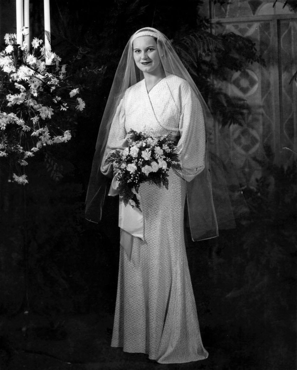 Brides And Wedding Fashion In Cleveland From The 1930s And