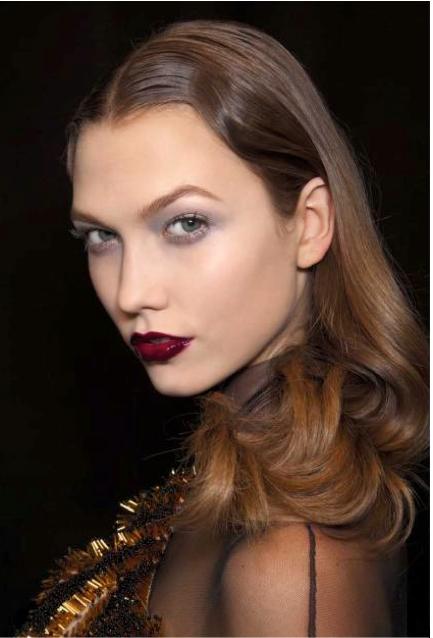 Burgundy Lips, wine lips, oxblood lipstick, lipstick fall trend, fashiobnblogger,n fashionblog colombia, beauty inspiration fall, burgundy lips