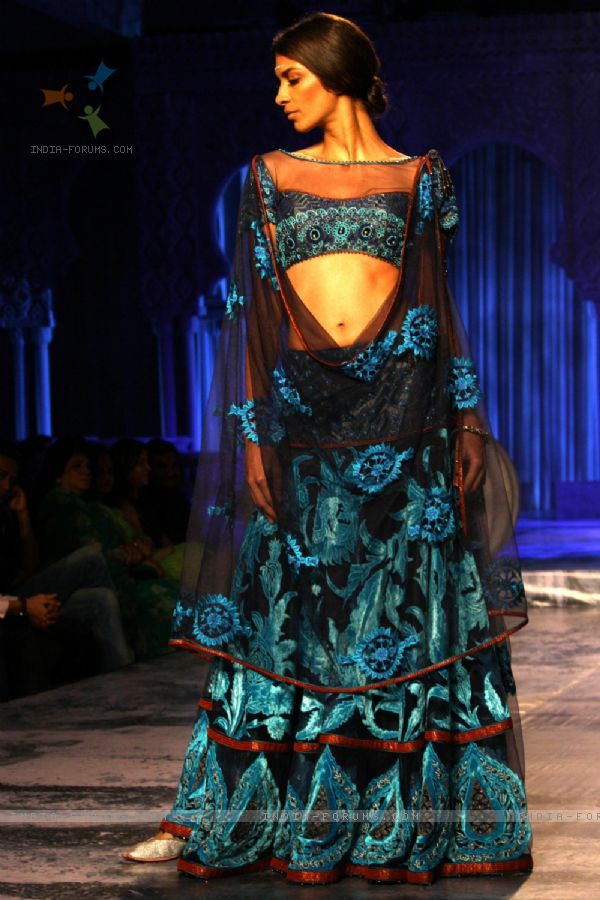 Delhi Couture Week 2012 JJ Valaya Collection