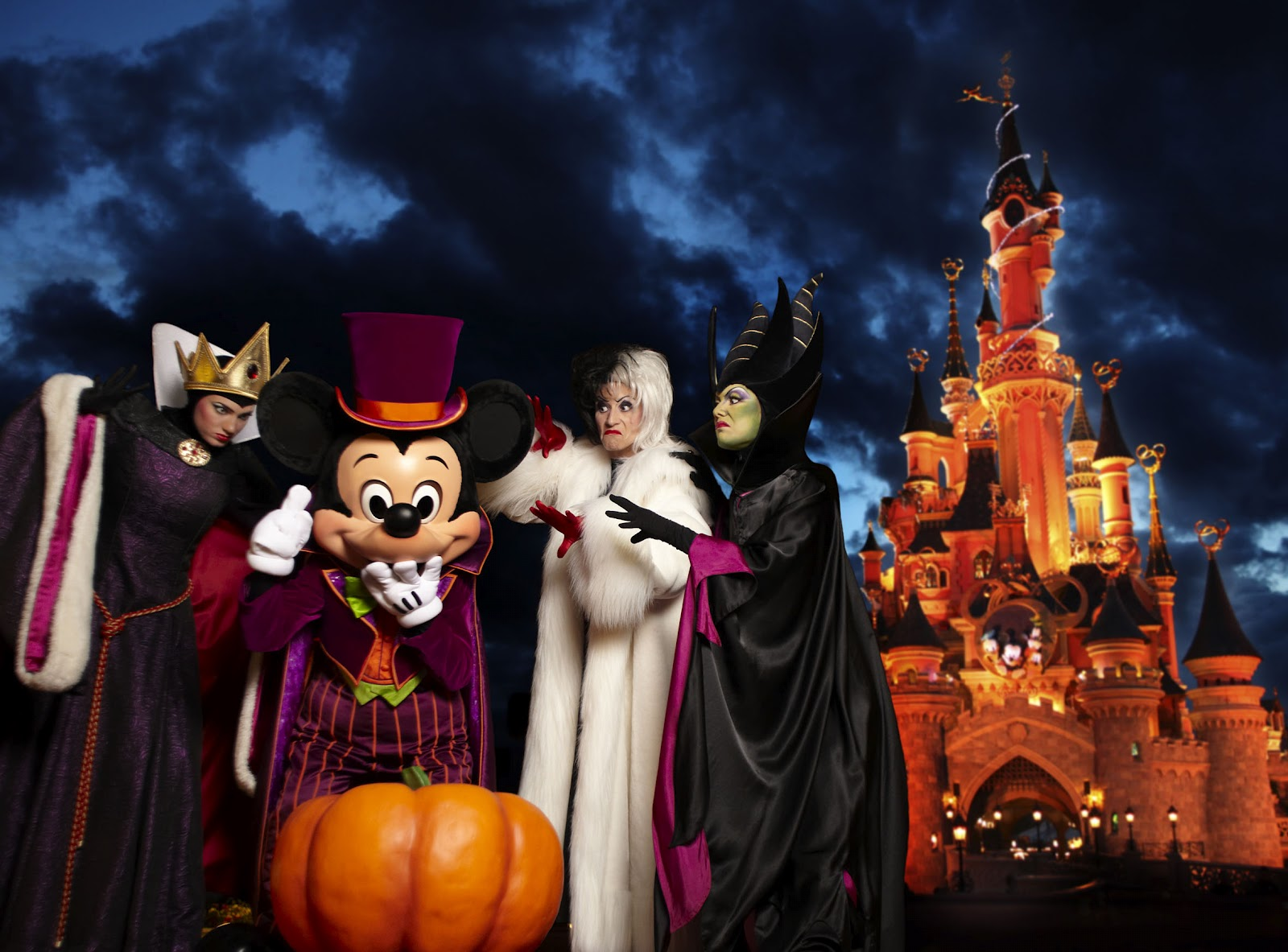 Joyeusement espiègle avec son festival halloween à disneyland paris