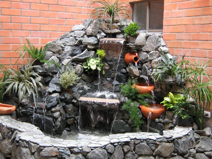 Jimmy ivan decoraciones tropicales for Cascada casera para jardin
