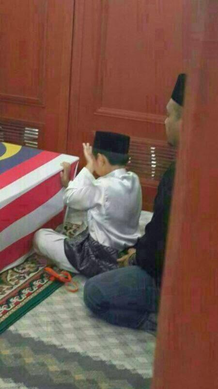 Anak Mangsa MH17 Difitnah #MH17 #Malaysiaberkabung