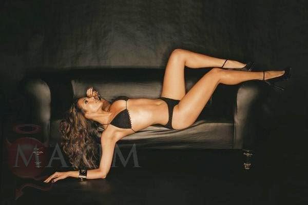 Malaika Arora Khan in Black Bikini Flaunting Her Size Zero Body semi nude for photoshoot pics