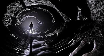 PONGA LO QUE USTED QUIERA - Página 4 El-hombre-de-la-caverna