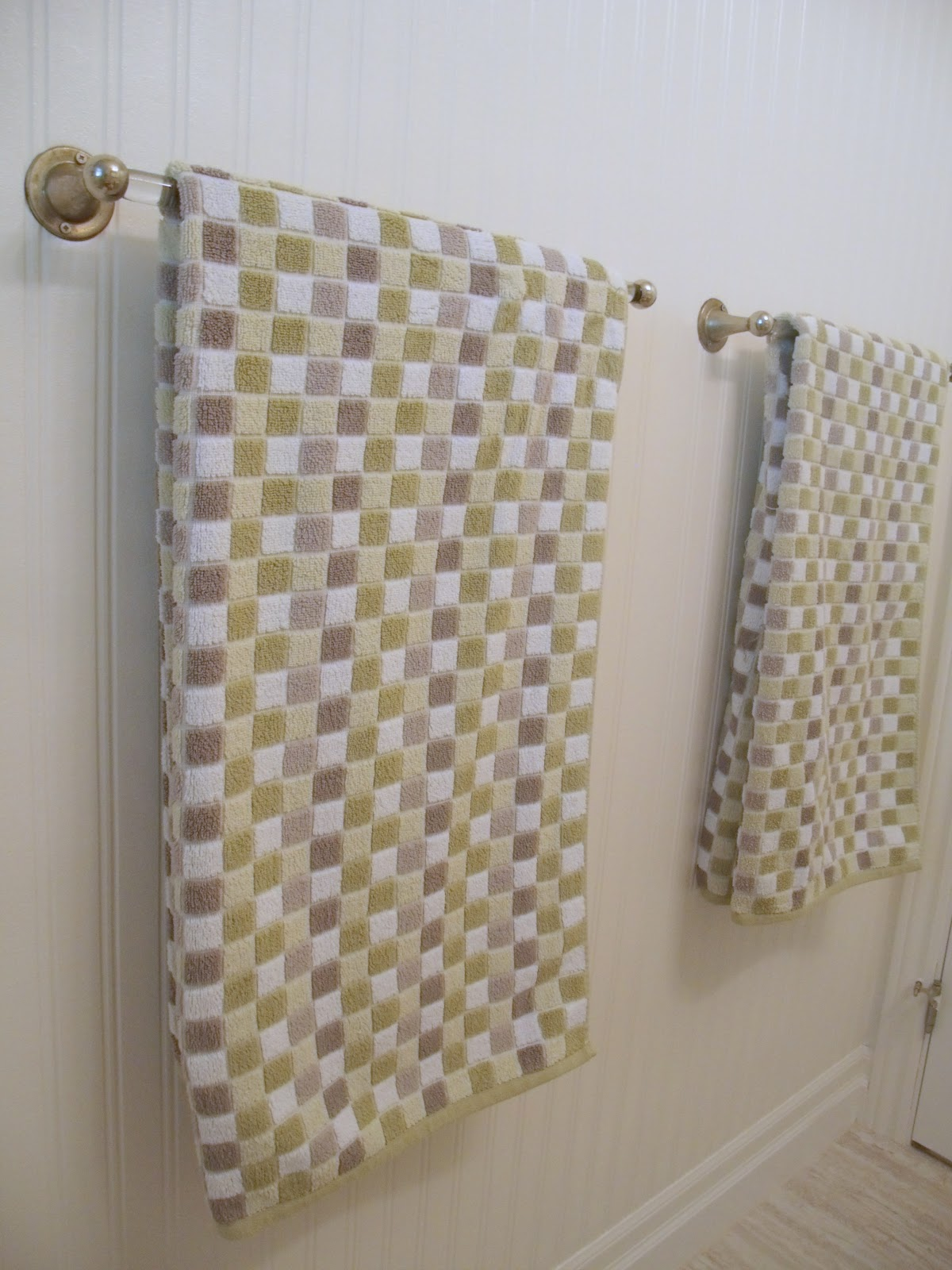 Hereu0027s Our New (old) Towel Bar Set Up: