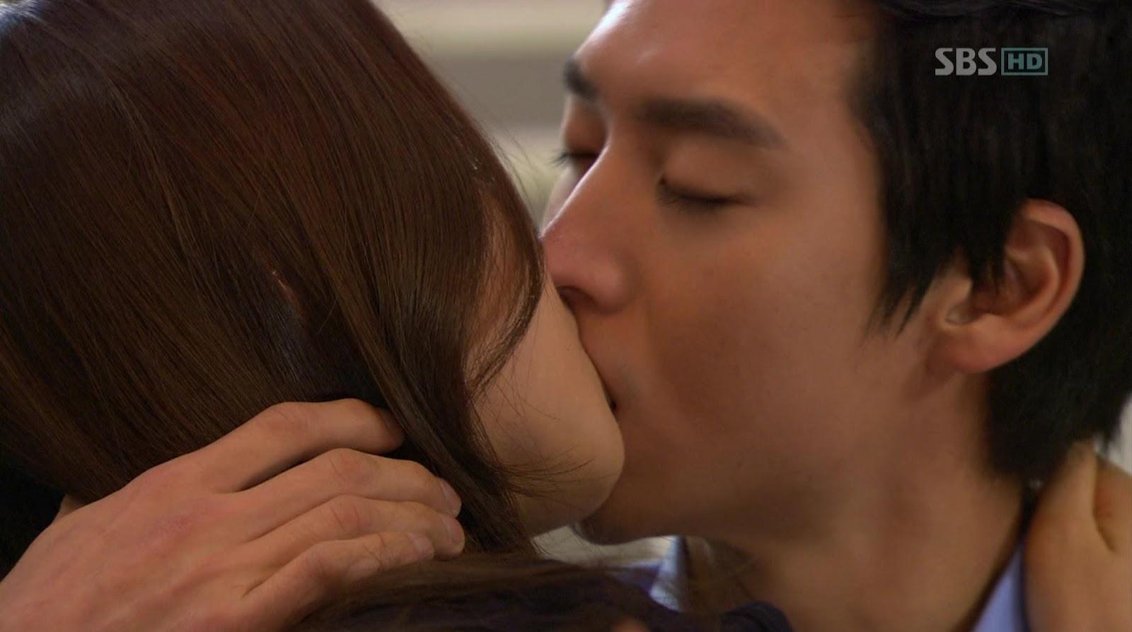 Yoona Kiss Scene Yuri And Yoona Kiss Sence