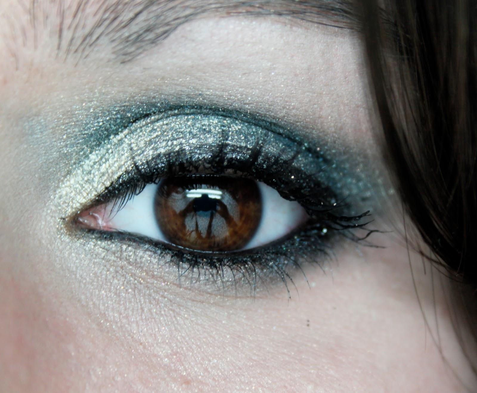 Maquillage pour yeux marron vert beautiful tuto photo maquillage dut pour les yeux with - Fard a paupiere yeux marrons ...